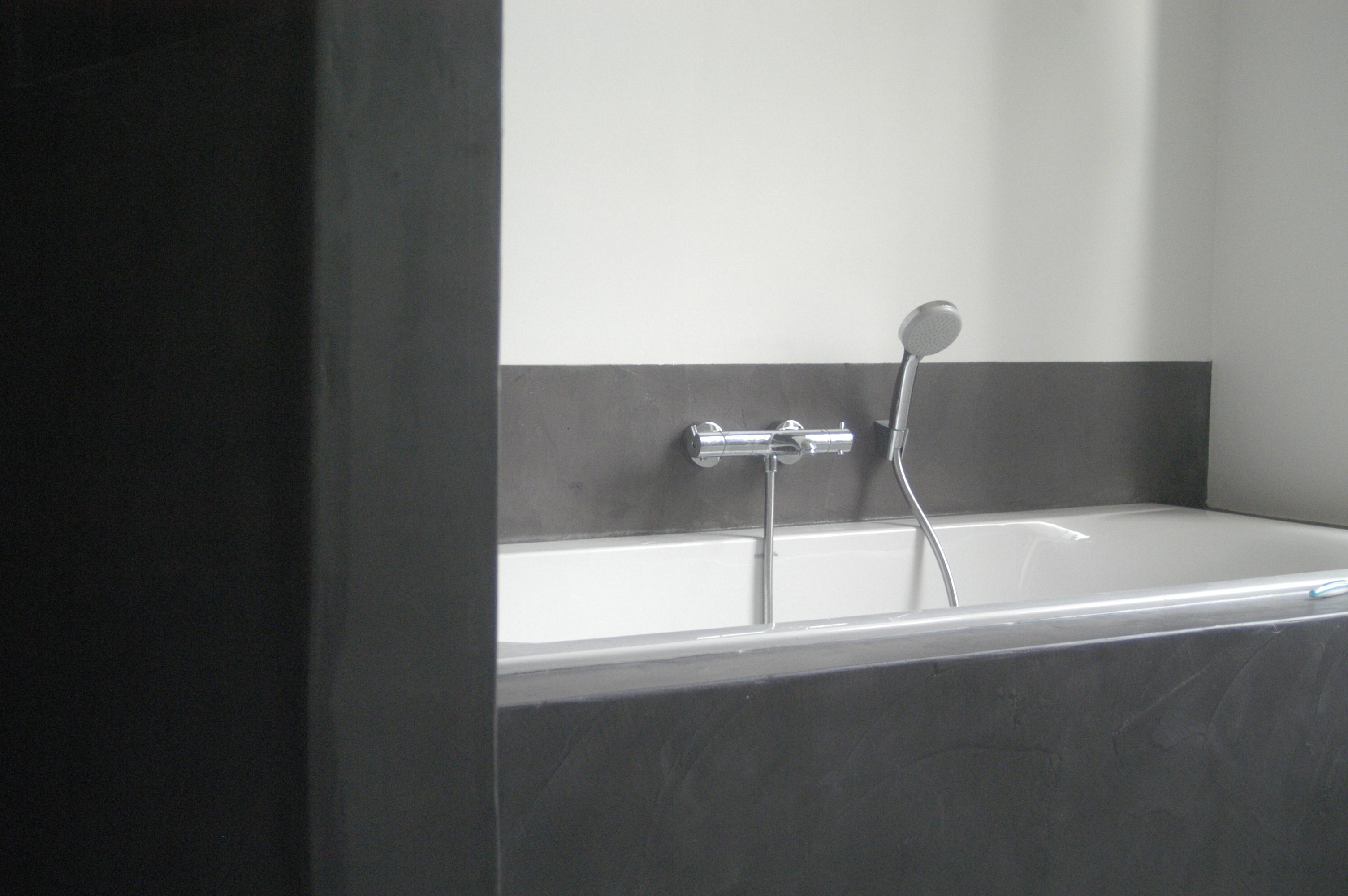 Betonvloer Badkamer Kosten : Badkamer met beton best prachtige badkamer renovatie in twello