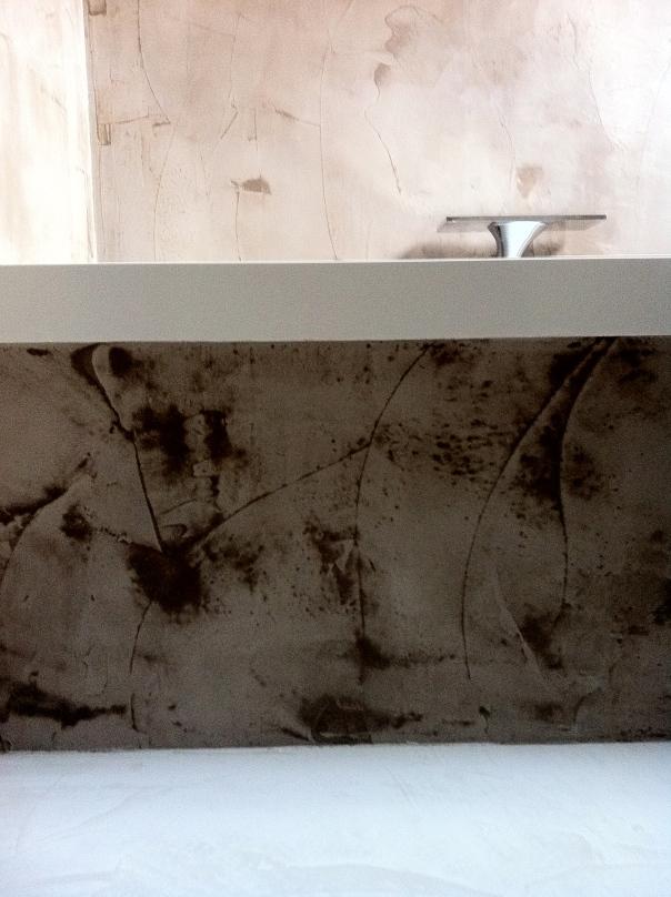 VERBAU badkamer beton-ciré. Kleur chataigne.