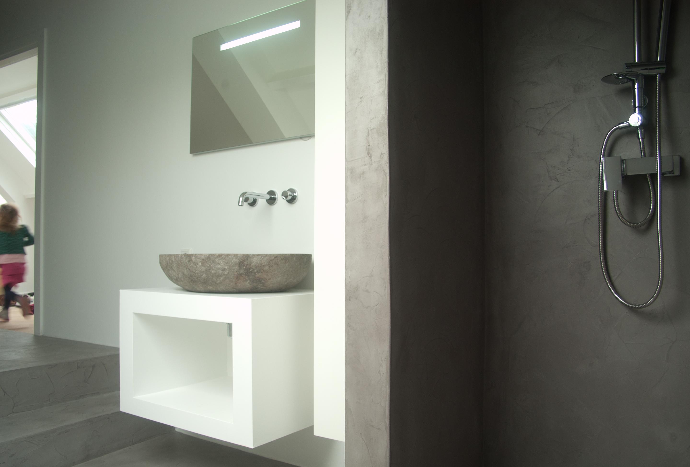 Badkamer Met Beton : Badkamer woonhuis beesd béton ciré kleur op maat verbau