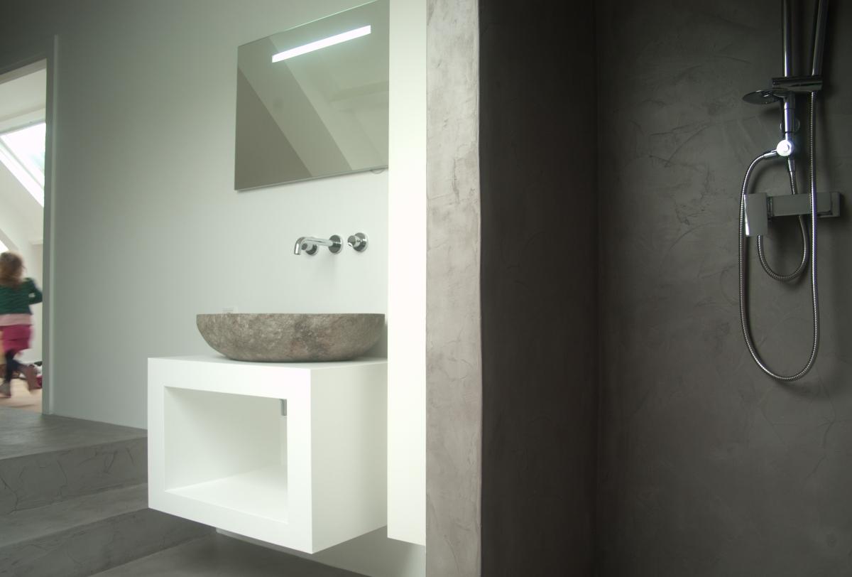Badkamer woonhuis beesd b ton cir kleur op maat verbau for Badkamer beton cire