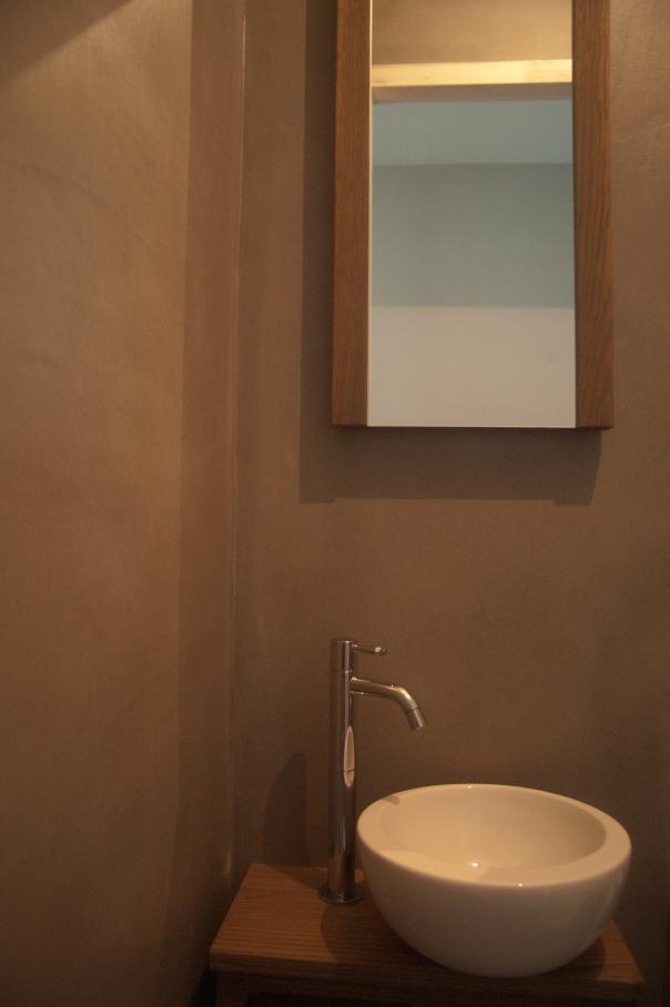 Toilet, woonhuis Oirschot. VERBAU betonstuc in kleur op maat.