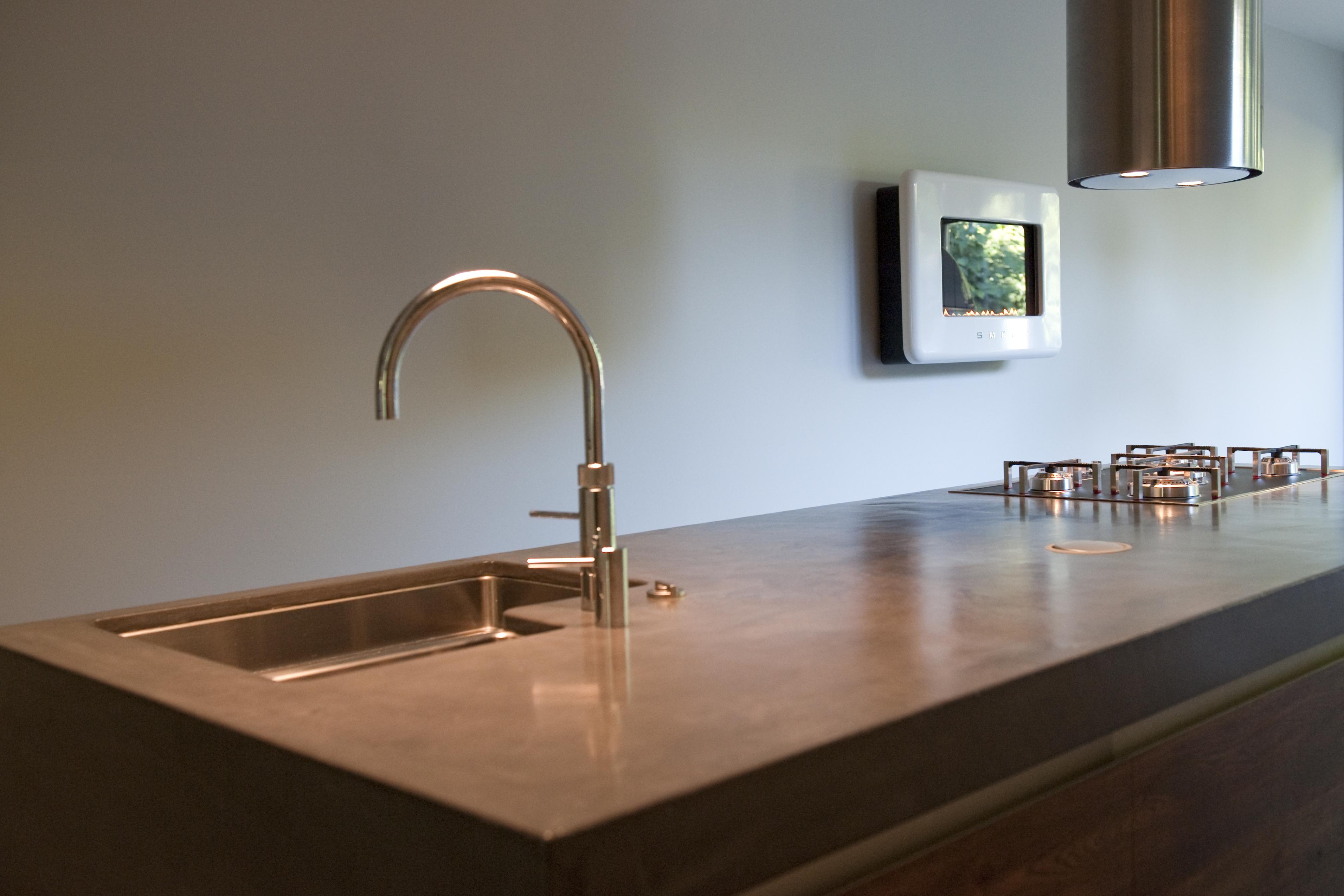 Beton Cire Keuken : Keuken, woonhuis Tilburg. VERBAU-betonstuc in kleur op maat.