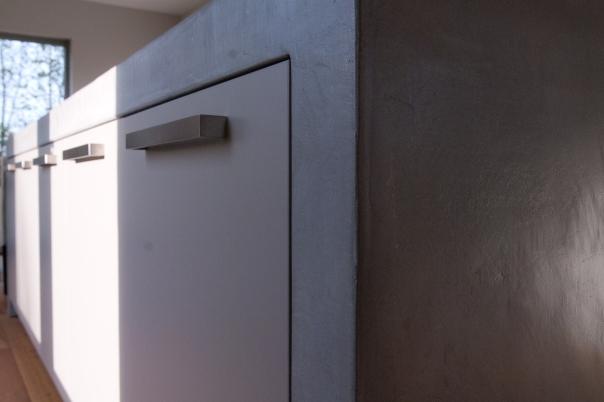 VERBAU-betonstuc_keukenmeubel#02ijzererts_9