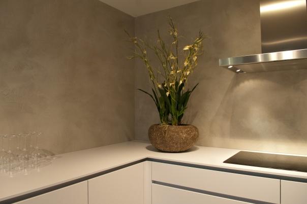VERBAU-betonstuc_keukenwand_Plieger_#06:8_lichterivierklei6