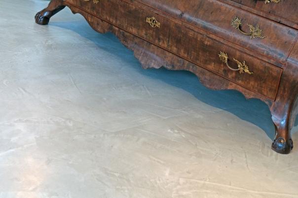 VERBAU-betonstuc_vloer+antiek_#01:32steenkool